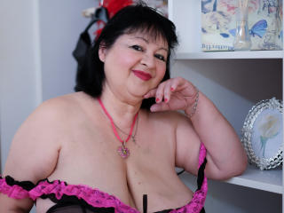 Picture of the sexy profile of AdorableBigBoobs, for a very hot webcam live show !