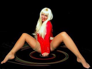 LeggyCurvy模特的性感個人頭像,邀請您觀看熱辣勁爆的實時攝像表演!