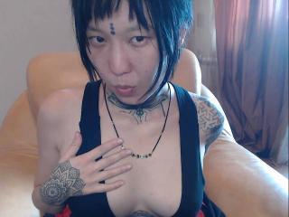 LollyMio模特的性感個人頭像,邀請您觀看熱辣勁爆的實時攝像表演!