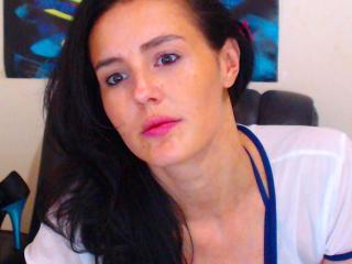 EyesShotForU webcam sex chat