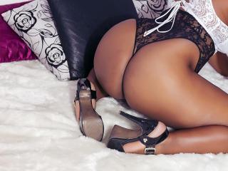 KiaraBlack - 在XloveCam?欣賞性愛視頻和熱辣性感表演
