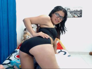 TammyDesire - 在XloveCam?欣賞性愛視頻和熱辣性感表演