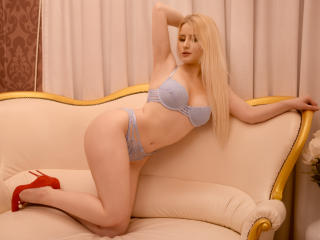 MayaChrystine - 在XloveCam?欣賞性愛視頻和熱辣性感表演