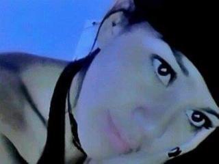 Foto de perfil sexy de la modelo Abigail69, ¡disfruta de un show webcam muy caliente!