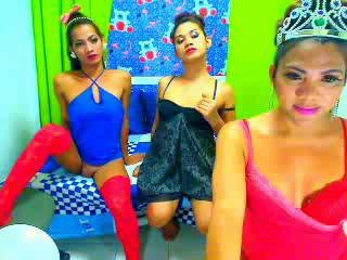 Picture of the sexy profile of AddictiveTrio, for a very hot webcam live show !