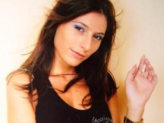 Foto van het sexy profiel van model AlessiaRio, voor een zeer geile live webcam show!