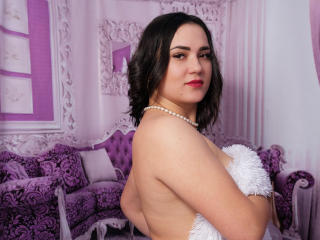 Picture of the sexy profile of CleoLove, for a very hot webcam live show !