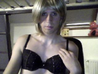 Picture of the sexy profile of EstelleTrans, for a very hot webcam live show !