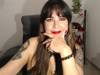 Velmi sexy fotografie sexy profilu modelky EvaLuv pro live show s webovou kamerou!