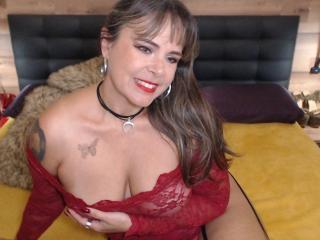 Foto de perfil sexy de la modelo EvaLuv, ¡disfruta de un show webcam muy caliente!