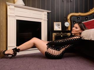 Foto de perfil sexy de la modelo FeminaX, ¡disfruta de un show webcam muy caliente!