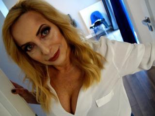 Model FlexibleMARGOT'in seksi profil resmi, çok ateşli bir canlı webcam yayını sizi bekliyor!