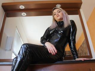 Velmi sexy fotografie sexy profilu modelky HarleyPink pro live show s webovou kamerou!