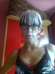 Picture of the sexy profile of InaHotTrans, for a very hot webcam live show !