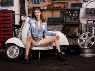 Velmi sexy fotografie sexy profilu modelky Kristallinne pro live show s webovou kamerou!