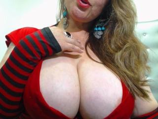 Velmi sexy fotografie sexy profilu modelky LatinBoobsX pro live show s webovou kamerou!