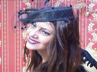 Foto de perfil sexy de la modelo MissAracely, ¡disfruta de un show webcam muy caliente!