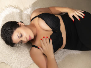 Picture of the sexy profile of OneHotPenellope, for a very hot webcam live show !