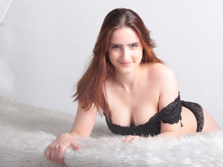 Photo de profil sexy du modèle SlinkiAngel, pour un live show webcam très hot !