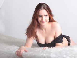Velmi sexy fotografie sexy profilu modelky SlinkiAngel pro live show s webovou kamerou!