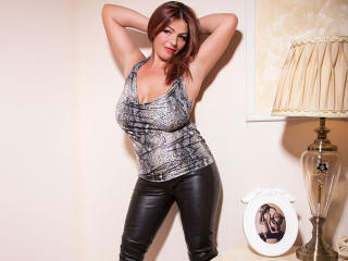 Sexet profilfoto af model YulliaMilf, til meget hot live show webcam!