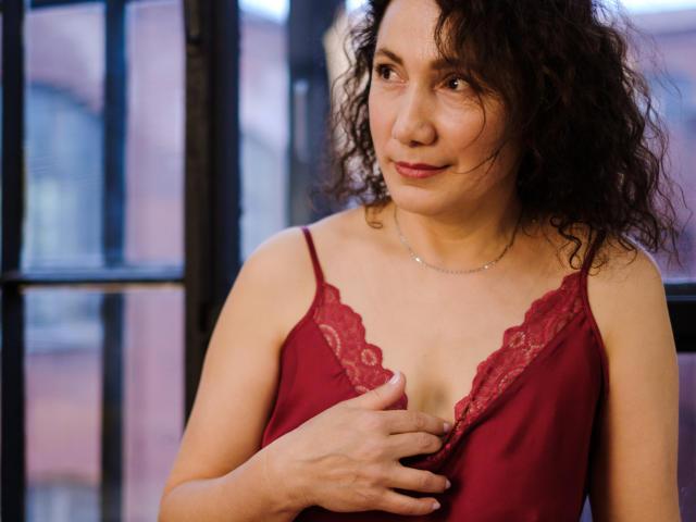 Foto de perfil sexi, da modelo AlbaGiovanni, para um live show webcam muito quente!