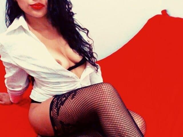 Photo de profil sexy du modèle CrazyAntonella, pour un live show webcam très hot !