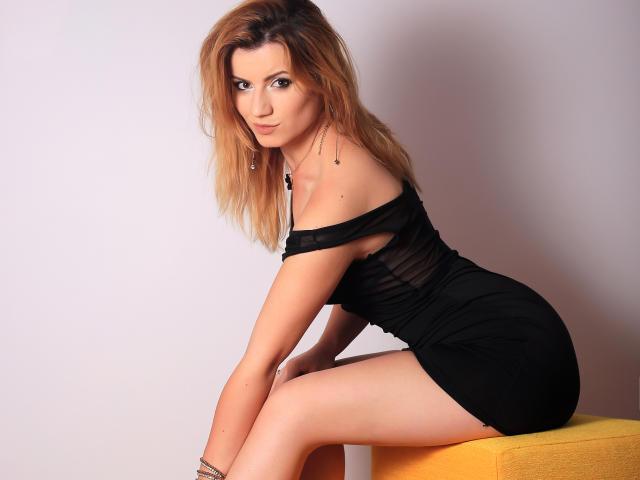 Foto de perfil sexy de la modelo MayaMuse, ¡disfruta de un show webcam muy caliente!