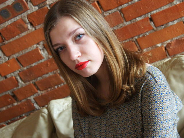 Foto de perfil sexy de la modelo NadyaKiss, ¡disfruta de un show webcam muy caliente!