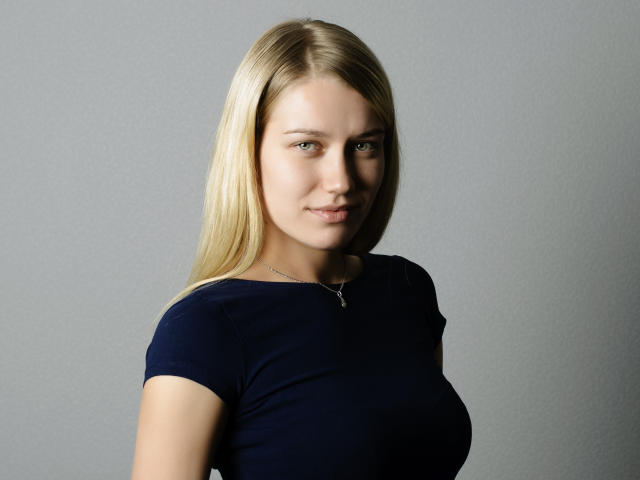 Picture of the sexy profile of ShannenSexy, for a very hot webcam live show !