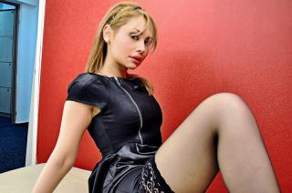 SilkiTouch - Sexy live show with sex cam on XloveCam