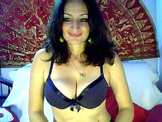 TereseHot - Webcam live hot with this muscular physique Mature