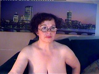 Sexy nude photo of MaturMilf