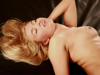 SweetAislin - Sexy live show with sex cam on XloveCam