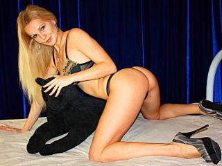 AgnesXS - Sexy live show with sex cam on XloveCam