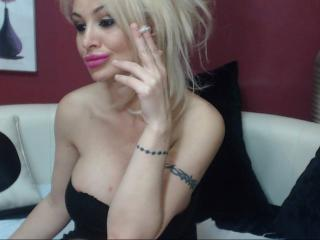 SexyCynthyaX - Live chat exciting with this platinum hair Gorgeous lady