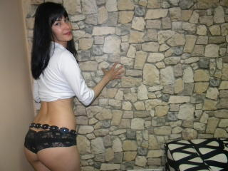 MissAdelinne - Sexy live show with sex cam on XloveCam