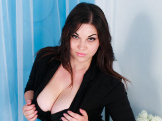 BustyNadinne - Sexy live show with sex cam on XloveCam