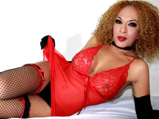 LadyFerrer - Sexy live show with sex cam on XloveCam