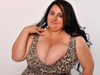 AggiBeea - Sexy live show with sex cam on XloveCam