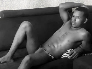 ThiagoSmith - Sexy live show with sex cam on XloveCam