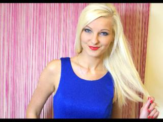 MarcellaHot - Sexy live show with sex cam on XloveCam