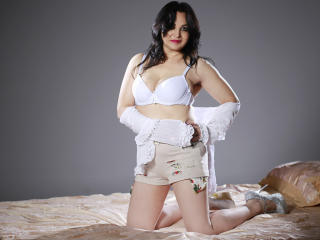 OneKinkyHoneyBB - Sexy live show with sex cam on XloveCam