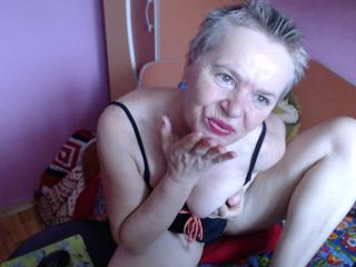 MatureYvette - Sexy live show with sex cam on XloveCam