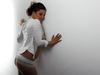 Star69Squirts - Sexy live show with sex cam on XloveCam