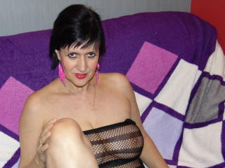 ReniaHot - Sexy live show with sex cam on XloveCam®