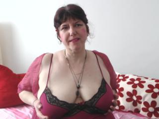 MatureAnais - Cam nude with a huge tit Mature
