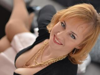 AlineHot - Sexy live show with sex cam on XloveCam