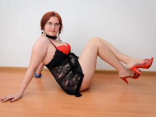 BigTitsXHot - Live chat exciting with this regular body Lady over 35