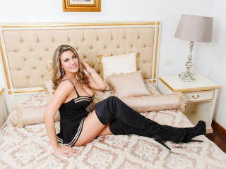 SweetJoy - chat online x with a being from Europe Girl